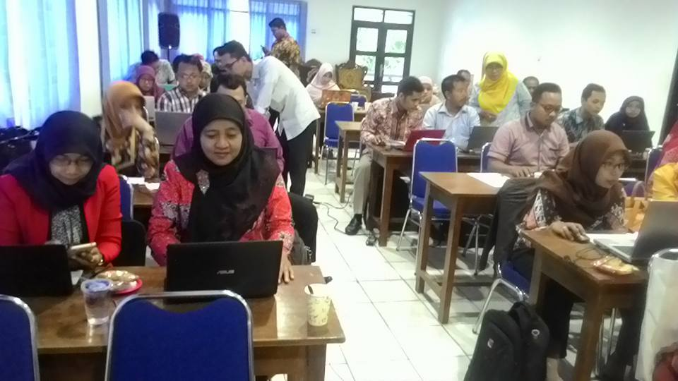 Pelatihan Website Unirow